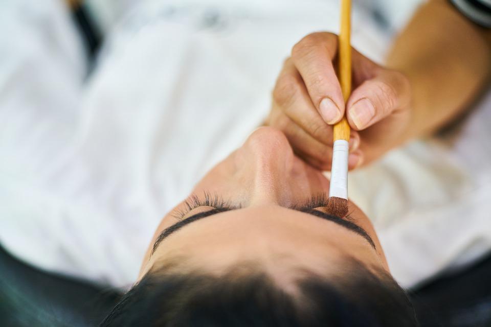 Un maquillage permanent des cils