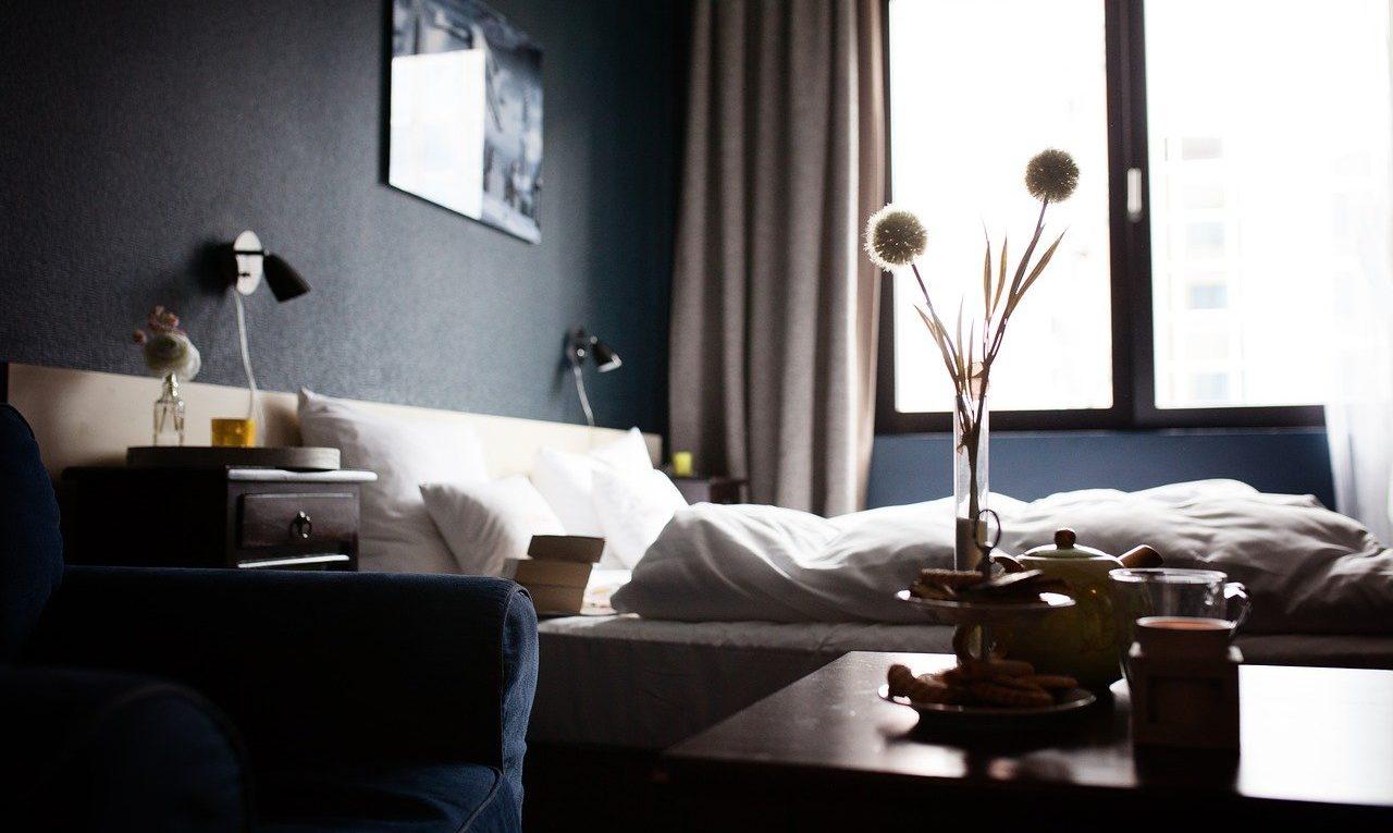 Chambre à coucher dans un hôtel