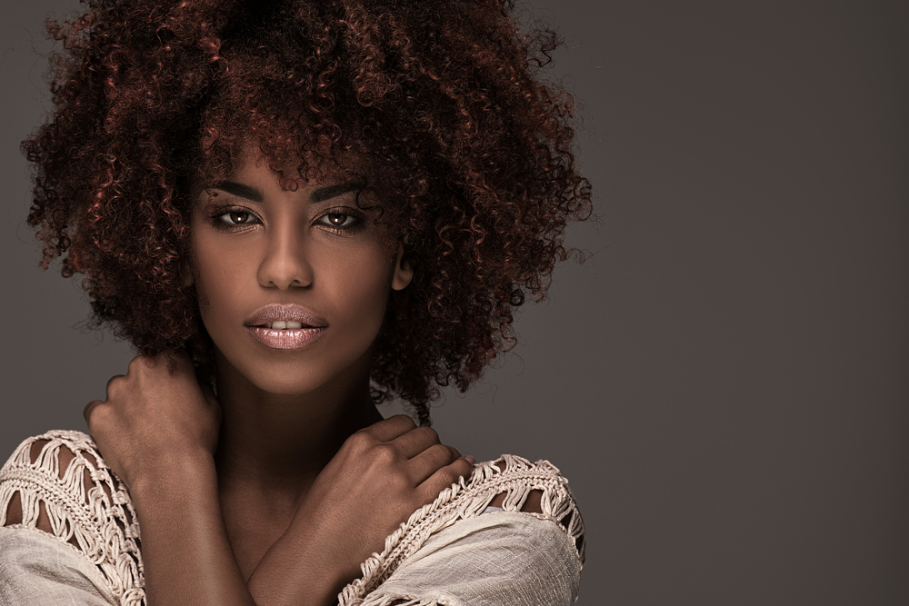 cheveux afro lissage